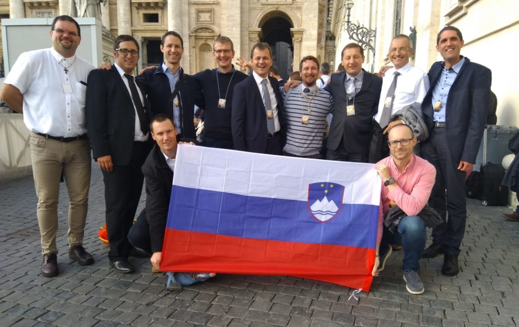 Slovenski možje na 1. mednarodnem srečanju v Rimu